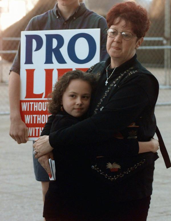 麥科維女士(Norma McCorvey)早年成為爭取墮胎權的先驅,晚年卻轉為支持反墮胎(AP).jpg