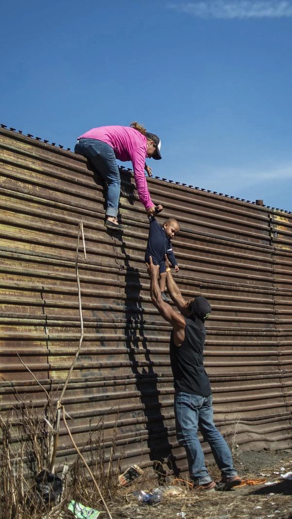 边境墙R.jpg