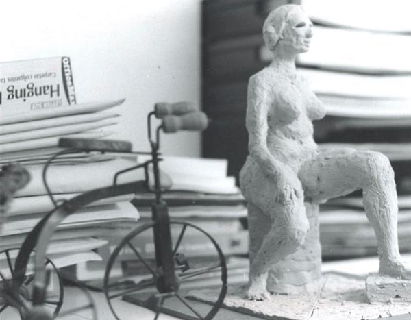 雕塑.jpg