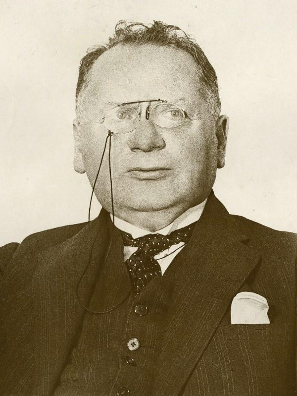 Maxim_Litvinov_1932.jpg