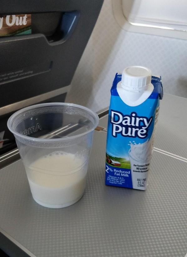 3-2 牛奶.jpg