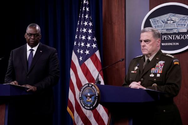 美国防长奥斯丁(左)和参联会主席米利成为阿富汗撤军事件众矢之的.jpeg