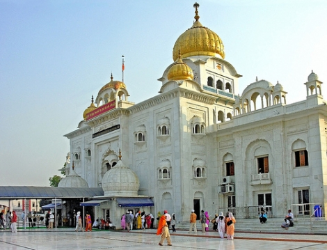 Gurudwara-Bangla-Sahib-Delhi-India_flickr_creativecommons_archer10-470-wplok.jpg