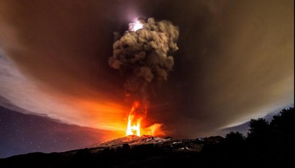 2015年火山.png