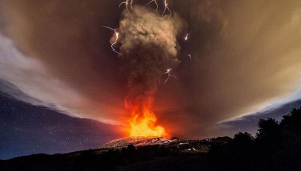 2015年火山1.png
