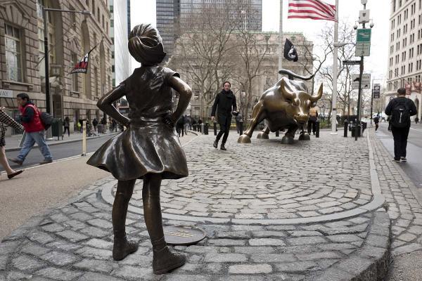 030817-wabc-ap-bull-girl-statue-07-image.jpg