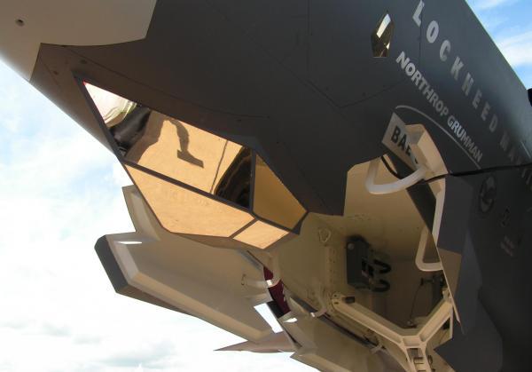 F-35_EOTS.jpeg