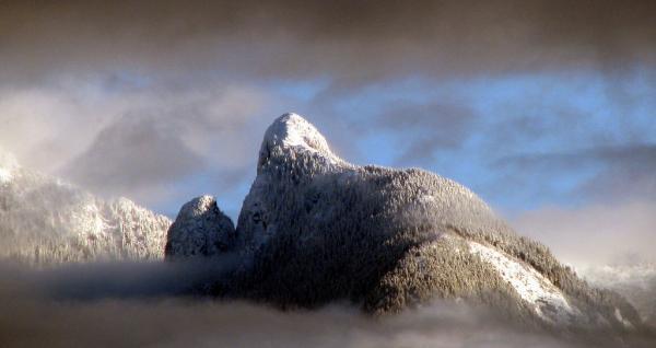 Mt_Harvey_from_Bowen_Island_zpsglkrmzgi.jpg