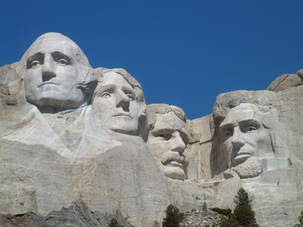 Mount_Rushmore_National_Memorial.jpg