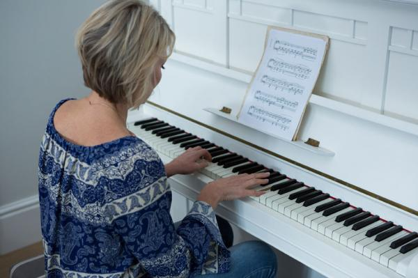 4-Secrets-for-Piano-Learning-as-an-Adult.jpg