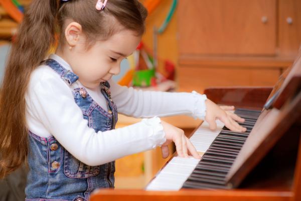 play-piano.jpg