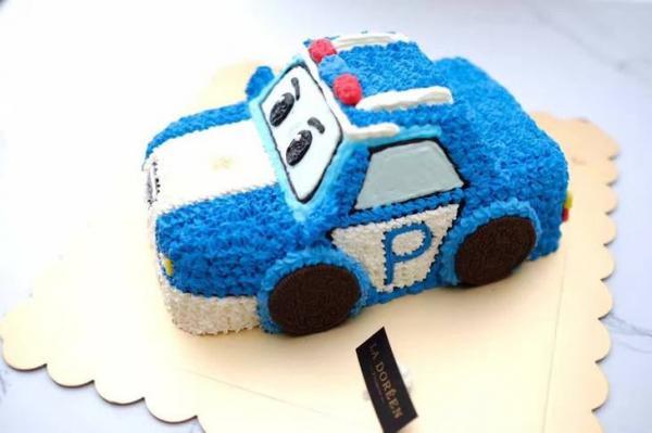 警车蛋糕.jpg