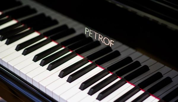 petrof-piano.jpg