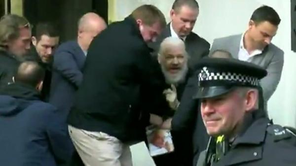 阿桑奇在伦敦被捕2019-04-11(见阿桑奇被捕事件).jpg