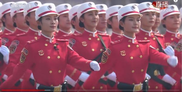 七十女民兵001.JPG