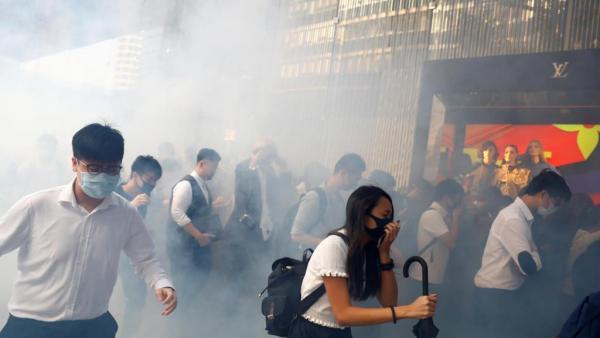 2019年11月11日香港社会危机加剧,警民暴力频发(路透社图).jpg