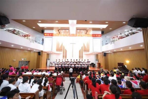 黄石市基督教两会庆国庆七十周年祝福祖国华诞 歌咏比赛.jpg