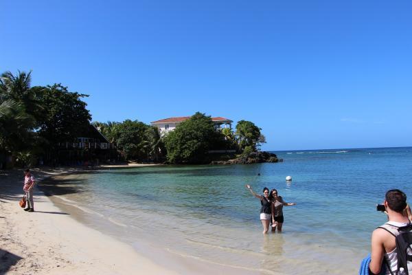 4-1 海滩景美.JPG