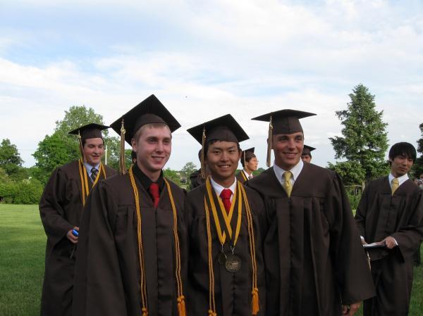 6-4 小小阿立高中毕业 6-3-09 2.jpg