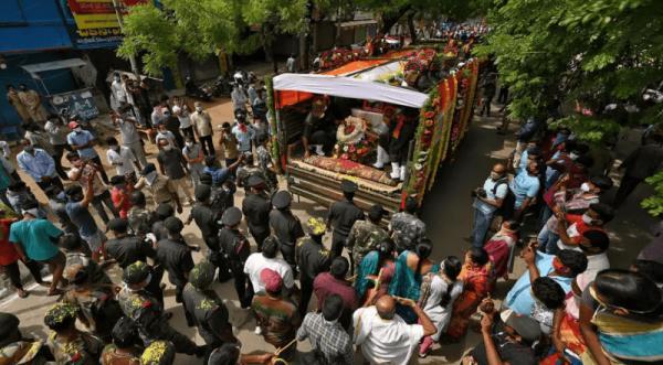 印度为官兵举行国葬.png